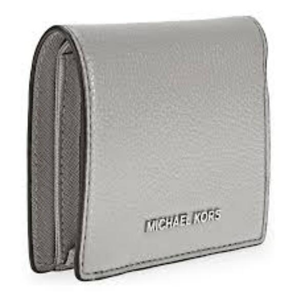 69aeff1acec6 Michael Kors Mercer Flap Card Holder. M 5aae9e521dffda7010662d74